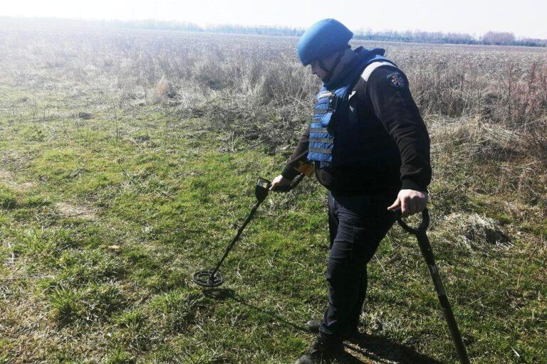 Чернігівські піротехніки ДСНС знищили 27 вибухонебезпечних предметів – Новини Чернігова та області