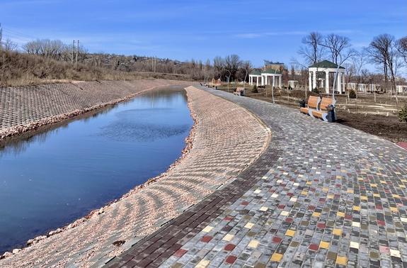 Сад Бернацкого – каким становится парк этой весной. Фоторепортаж