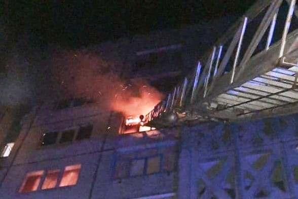 м. Чернігів: під час пожежі квартири 1 людина загинула, двох врятовано та 17 евакуйовано – Новини Чернігова та області