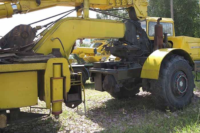 На Херсонщині із заводу викрали десятитонний автокран » Новини Херсона