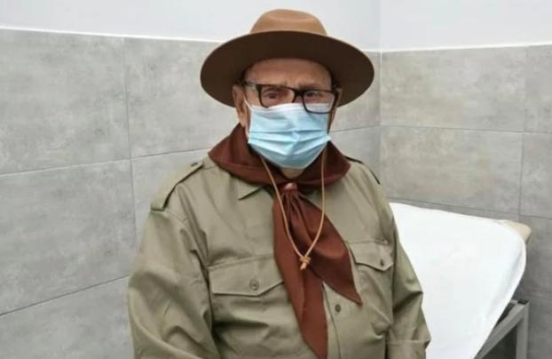 У Мукачеві вакцинувався 91-річний ветеран скаутського руху