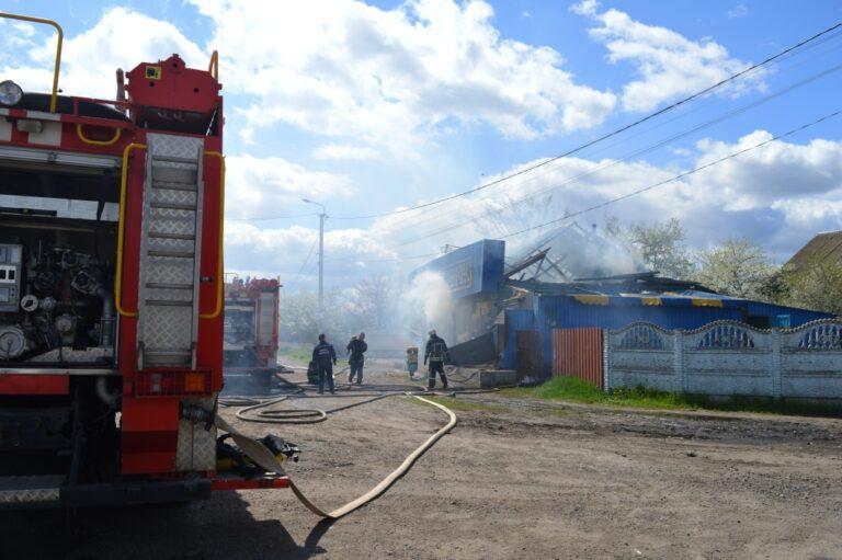 Чернігівський район: рятувальники ліквідували пожежу кафе – Новини Чернігова та Чернігівщіни