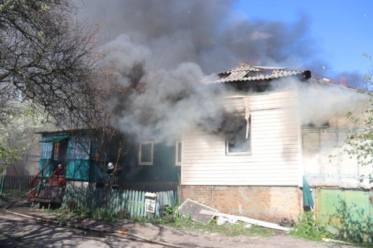 Чернігівські рятувальники ліквідували пожежу двоквартирного житлового будинку – Новини Чернігова та області