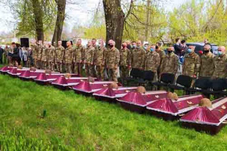 Їх імена відомі тільки Богу: На Житомирщині перепоховали 100 воїнів, загиблих у Другу світову