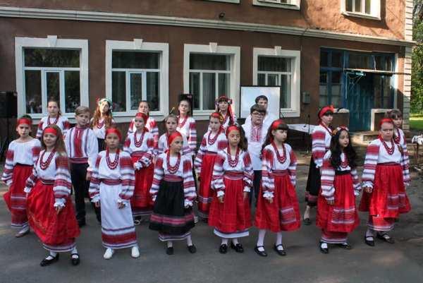 Выпускной в Школе искусств №2 Краматорска: праздничный концерт и именные воздушные шары