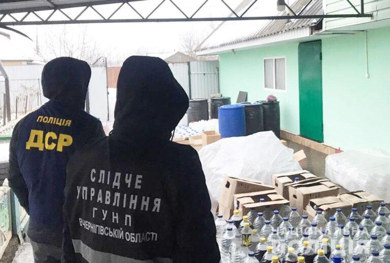 Жителя Бахмача судитимуть за торгівлю фальсифікованим алкоголем та цигарками. ФОТО | Кримінальні новини