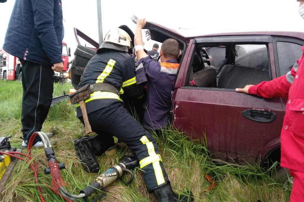 На Чернігівщині рятувальники залучалися до надання допомоги постраждалому внаслідок дорожньо-транспортної пригоди — Новини Чернігова та області