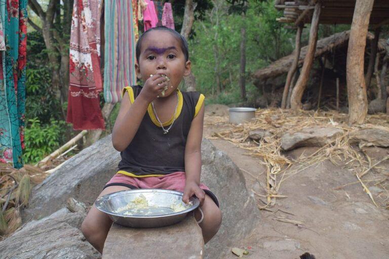 Більше 30 млн людей перебувають за крок від голодної смерті — ООН