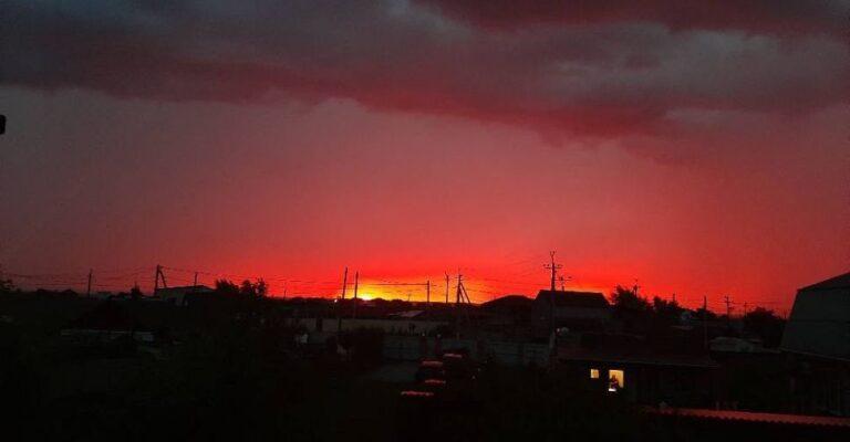 Грозовой закат в Мариуполе (ФОТОФАКТ). Новости Мариуполя и Донбасса |