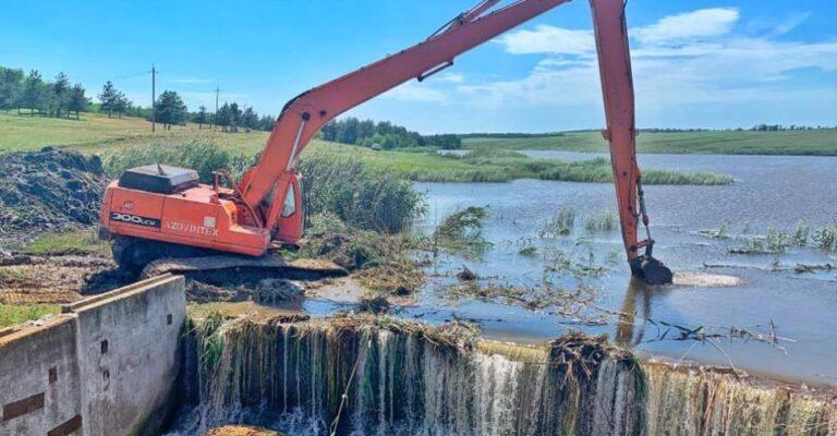 В Мариупольском районе начали укреплять плотину. Новости Мариуполя и Донбасса |