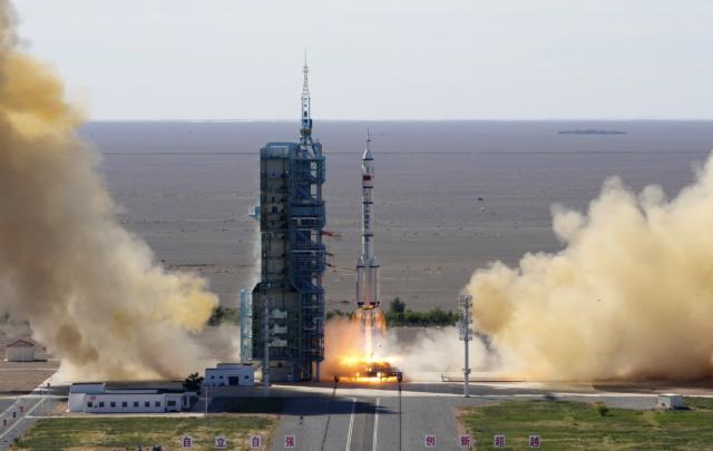 GISMETEO: Китай отправил первых космонавтов на новую орбитальную станцию – КОСМОС |