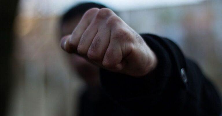 В Мариуполе неизвестные напали на прохожего. Новости Мариуполя и Донбасса |