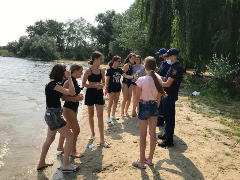 Ладижинські рятувальники нагадали громадянам правила поведінки під час відпочинку біля водойм — | Новини Вінниці та області