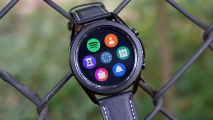 Інтерфейс і циферблати Samsung Galaxy Watch 4 злили в мережу  
