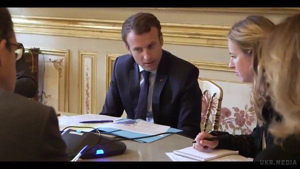 Це відео вас неприємно здивує: Макрон показав першу хвилину «нормандських переговорів»