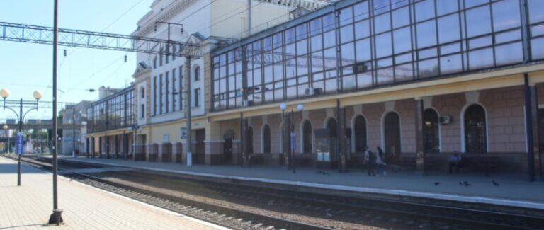Жінка, яка їхала до Ужгорода, народила у потязі