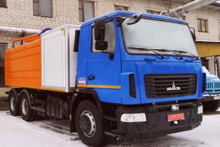 Посадовець КП «Житомирводоканал» вимагав «відкат» за придбану без тендеру каналопромивну машину. Подробиці справи