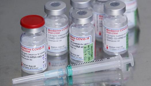 В Україні медики відмовляють у вакцинації «Модерною» без декларації з сімейним лікарем » – Новости мира