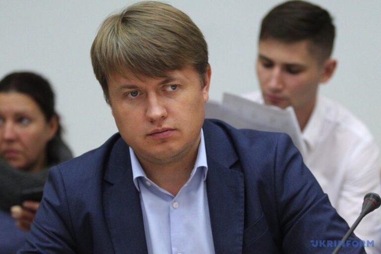 Представник президента закликає уряд припинити проект енергомосту «Україна-ЄС»
