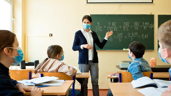 Лише 7 шкіл зможуть працювати на Сокальщині під час посилення карантину без дистанційки – Новини Львова та області