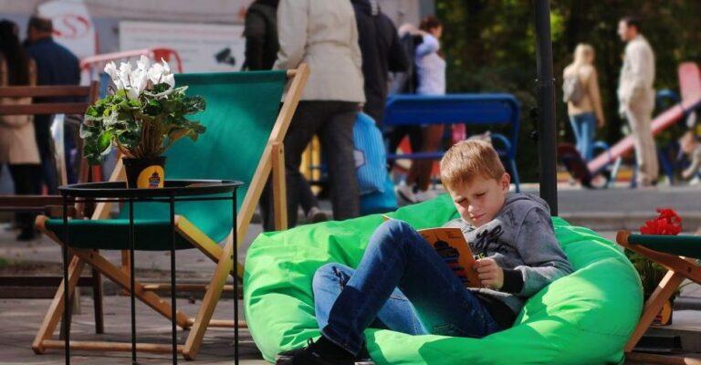 Книжный фестиваль в Мариуполе ищет волонтеров: нужно рассказывать о книгах и общаться с писателями. Новости Мариуполя и Донбасса |