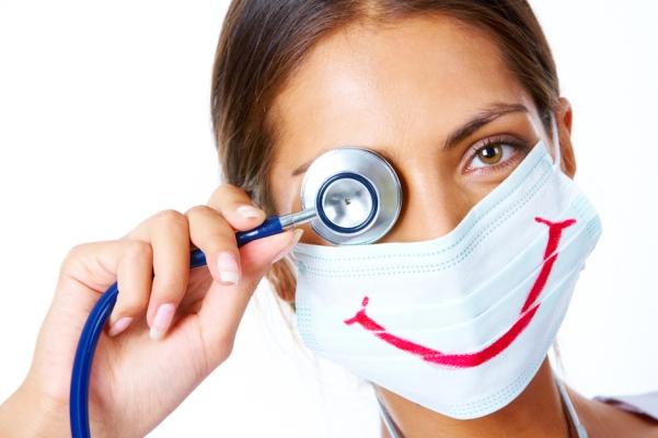 В следующем году врачам планируют повысить зарплату до 20 тыс. грн., медсестрам – до 13,5 тыс. грн.