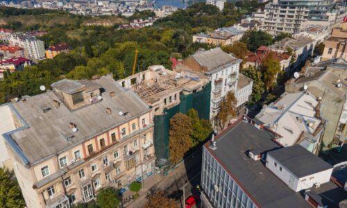Дом со змеями на БЖ начали реконструировать: фото — новости Киева
