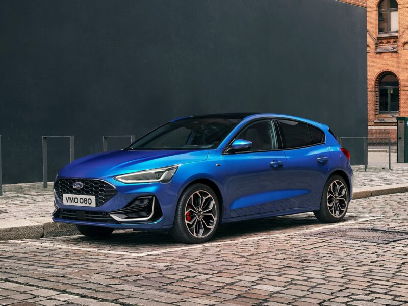Ford Focus обновлён на фоне обвала продаж, моторная гамма сокращена, «робот» вернулся — АВТО НОВОСТИ