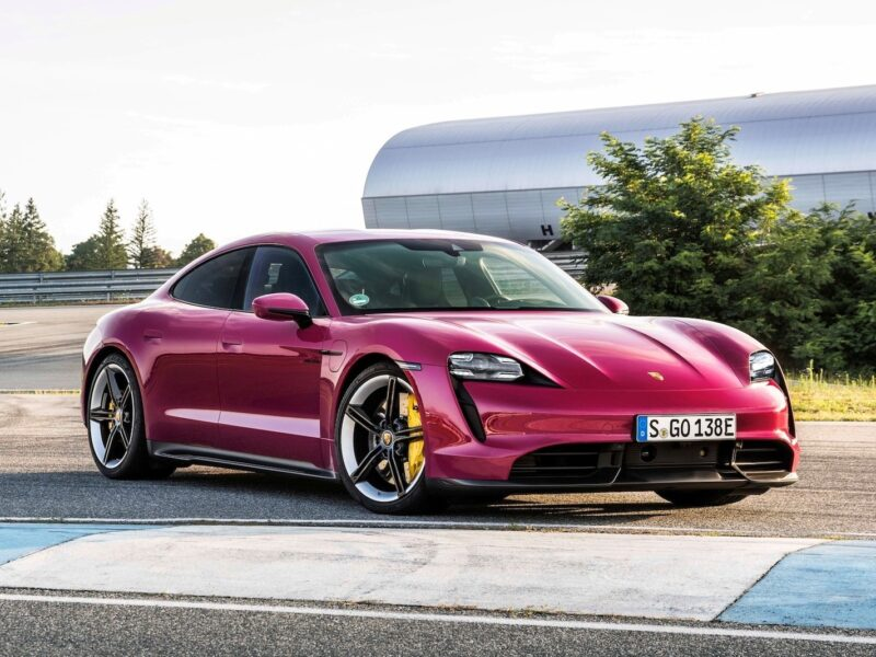 Триумф электричества: Porsche Taycan обогнал по продажам культовую модель 911 — АВТО НОВОСТИ